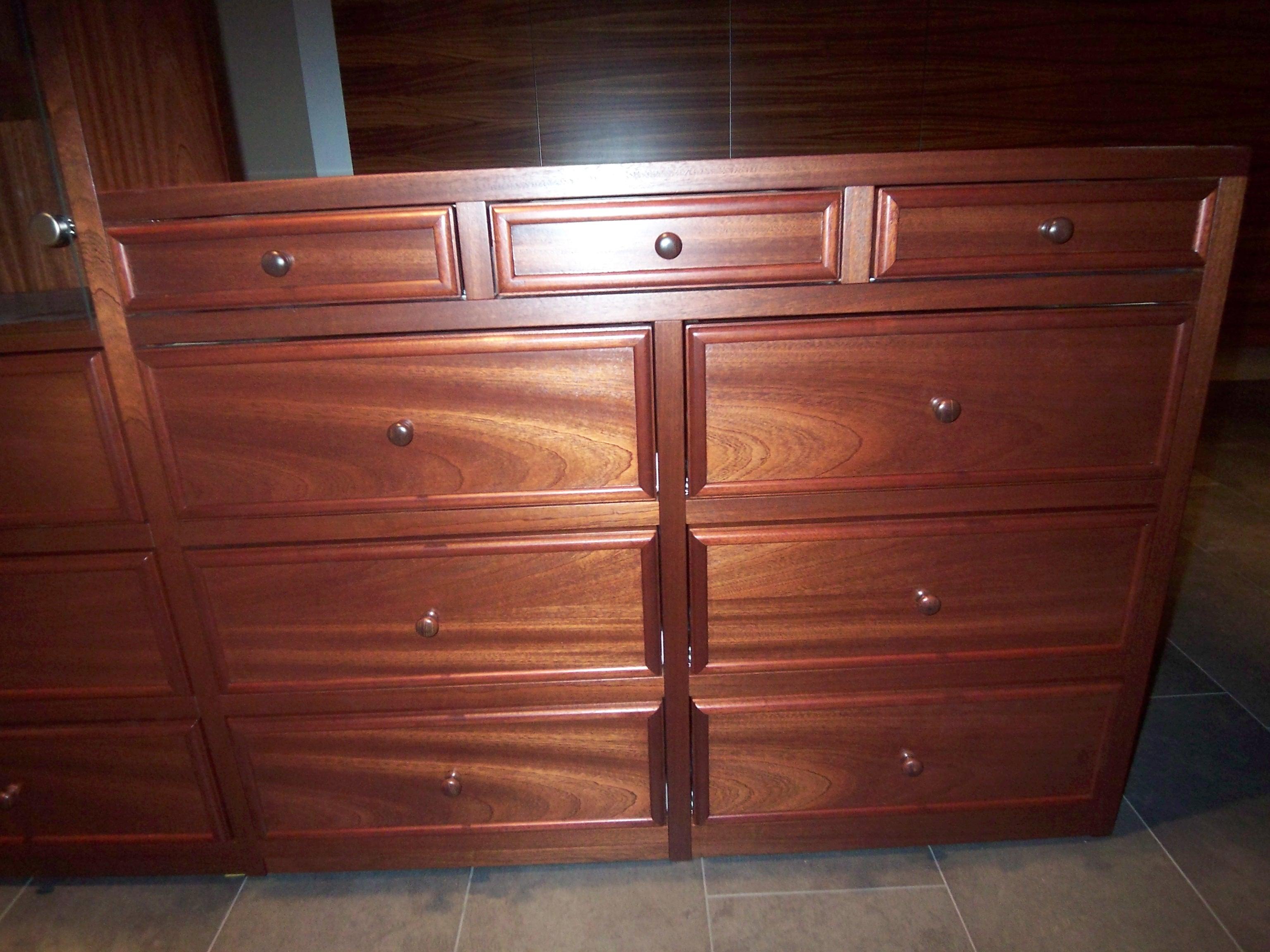 kunde bestellt m bel die zu seinen vorhandenen passen. Black Bedroom Furniture Sets. Home Design Ideas