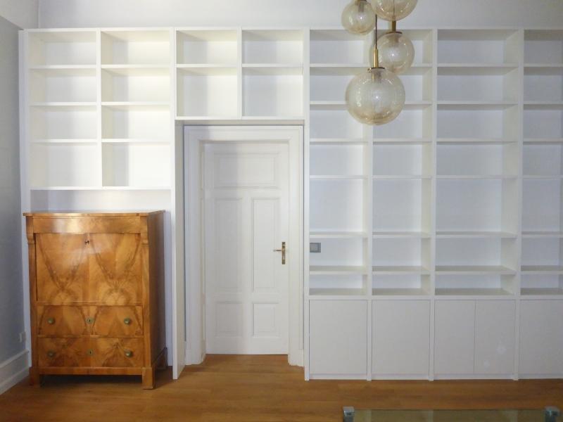 Möbel nach Maß, Bücherregal links